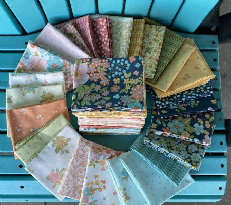 "Sunlit Blooms Maywood Studio Fat Quarter Bundle 25 of 18"" X 22"""